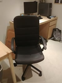 USED Black rolling chair Toronto