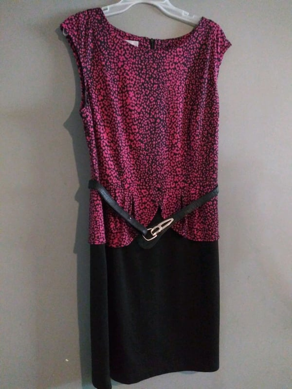 ***WOMEN'S SIZE 16 FORMAL DRESS!*** 6e9c0e76-b033-4852-afc6-ff2e51f9e408
