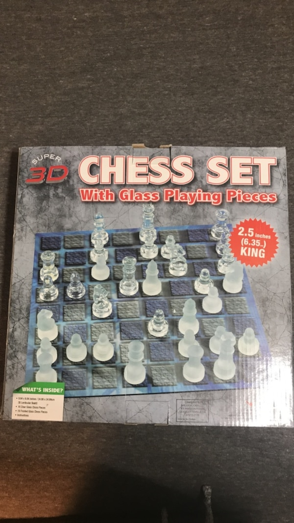 3D Chess Set with glass playing pieces box