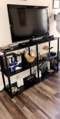 LG TV + table