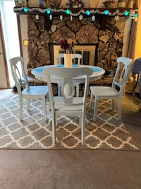 "Very nice cheap sturdy ""shabby chic"" dining set ( not junk) Council Bluffs, 51503"