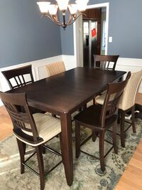 Dining table and 6 chairs Oakton, 22124