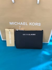 BRAND NEW LEATHER MICHAEL KORS WALLET WITH TAGS