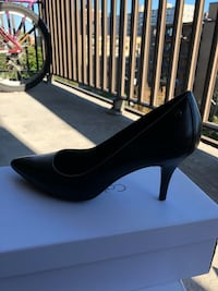 Calvin Klein shoes, size 8, wore onceo
