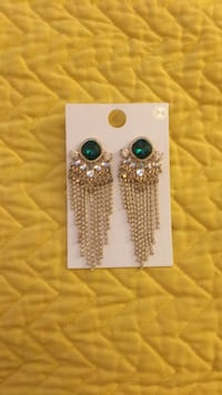 Faux Emerald and gold glitzy dangle earrings Pikesville, 21208