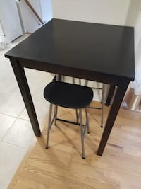 Apartment Size High Table and Stools TORONTO
