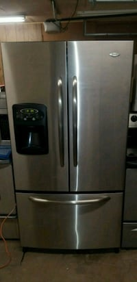 Maytag Stainless Refrigerator With Estate Stove Oklahoma City, 73120