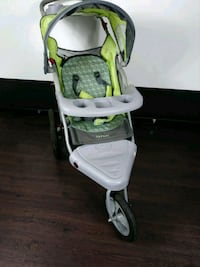 baby's white and green high chair Coral Springs, 33065
