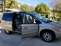 Chrysler - Town and Country - 2003 Los Angeles