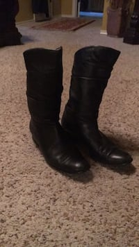 Women's size 6 Boots Midland, 79705