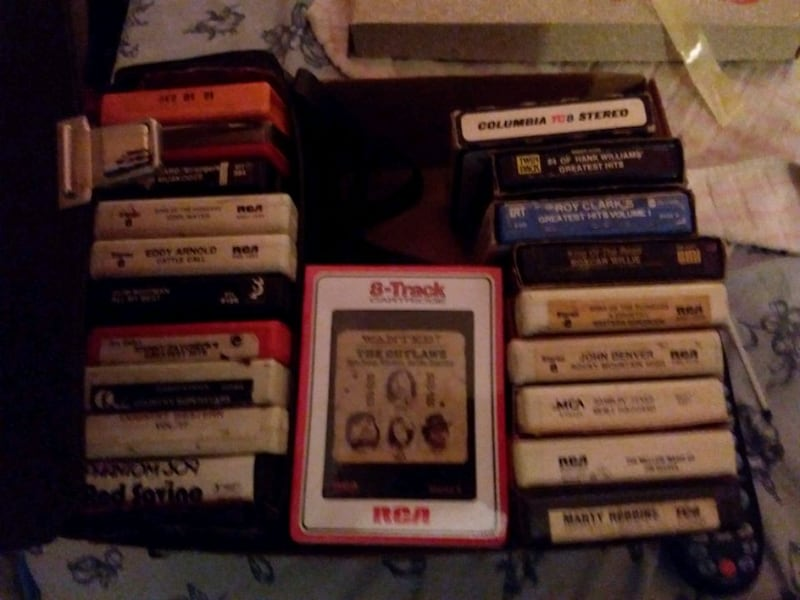 The outlaws 8track Unopened  5bb9571a-4f77-49d4-a168-5c04ca245fca