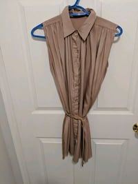 Rose blouse with belt size m Toronto, M4W 1A9