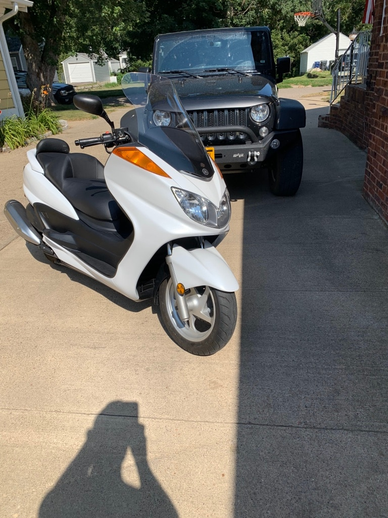 Photo 2009 yamaha majesty motorcycle with less then 500 miles w pearl white