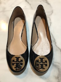 pair of black Tory Burch leather flats 780 km