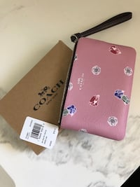 Coach wristlet, holds iPhone BNIB $40 Mississauga, L5N 7A6