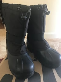 Snow boots youth size 4 Catskill, 12414