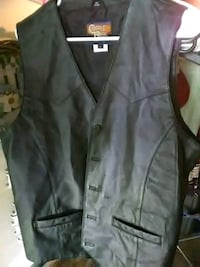 Size large black leather vest Port Arthur, 77642
