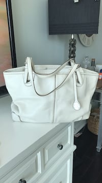Michael Kors White Leather Tote. Linen liner