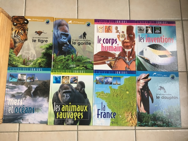 Lot de 8: l'Atlas junior