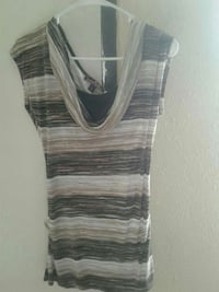 Pretty striped large top Knoxville, 37932