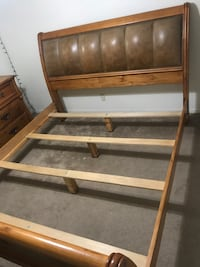 KING size Bed frame w dresser & mirror Carson City, 89706