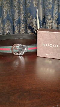 Authentic green and red Gucci belt size: 30-38 Toronto, M4C 4Z8