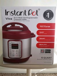 INSTANT POT Pressure/Slow Cooker plus accessories! Frederick, 21703