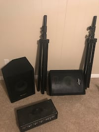 "2 phonic s710"" speakers with stands and phonic 410 powered mixer Boiling Springs, 29316"