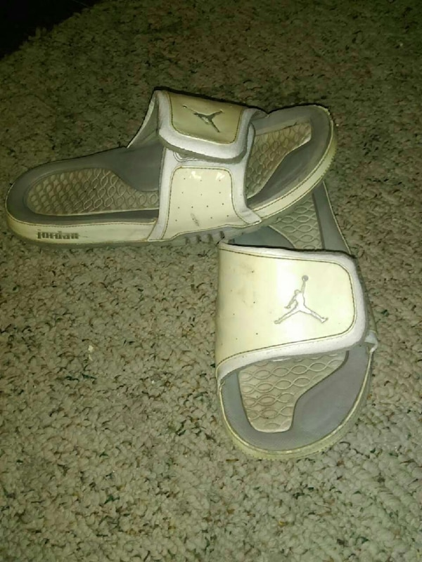a2065e993e4869 Used Jordan slides for sale in Vassar - letgo