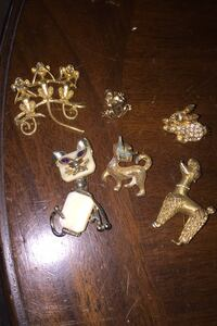 Vintage pins $10 takes all West Deptford, 08086