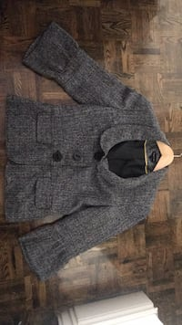 gray and black knit sweater Toronto, M9B