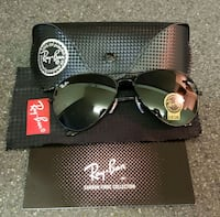 Ray Ban aviators, green tint lens, new in box Vancouver, V5T 1L5