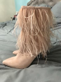 Light pink stiletto boots. New Vancouver, 98665