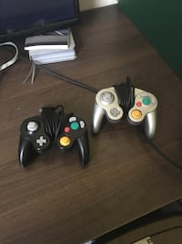 three Xbox 360 game controllers Knoxville, 37920