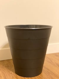 Trash can, black, 3 gallon