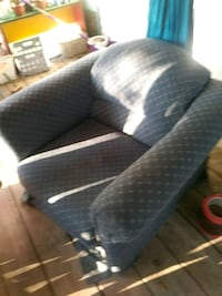 Exlarge sitting chair.      No delivery Harleyville, 29448