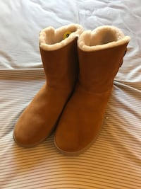 Koolaburra by UGG Womens Boots Sz 9 Brown Suede Winter Brand New Milpitas, 95035