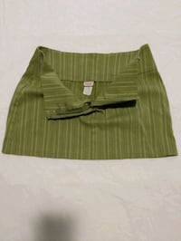 Green & white striped mini skirt  10% spandex   Calgary, T2E 0B4