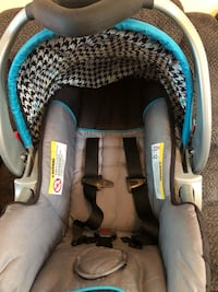Baby Trend Car Seat and Stroller 63 km