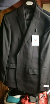 black notched lapel suit jacket Toronto, M9C 4V9