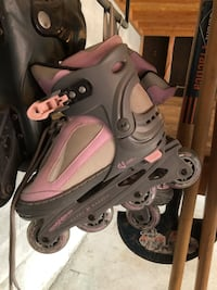 Roller blades- girls size 4 Richmond Hill, L4C 9L6