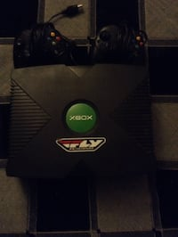 Xbox with 2 remotes and all the cords and 7 games Menlo Park, 94025