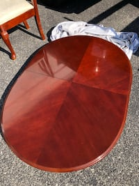 Cherry wood Dining table  Knoxville, 37923