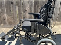 Invicare fuzz T50 reclining wheelchair Mountain View, 94043