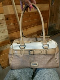 Guess purse  Winnipeg, R2W 2V9