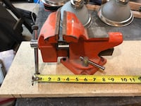 Small bench vise anvil  Urbandale, 50322