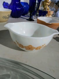Pyrex Bowl | Butterfly Gold Pattern