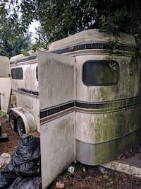 Good horse trailer needs cleaned up