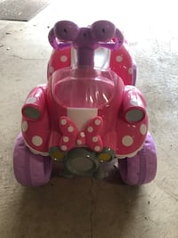 Minnie Mouse ride on car Herndon, 20171