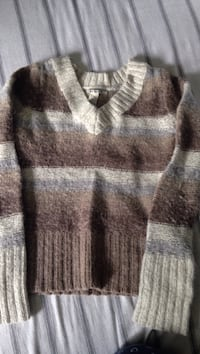 Beige striped sweater  Norwich, N0J 1P0